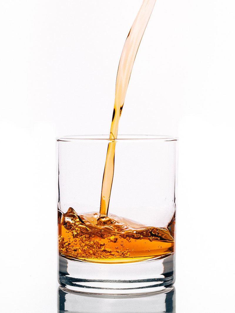 ニューハーフクラブで勤めた際に気を付けたいお酒の作り方